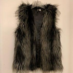 Faux Fur Vest H&M size 2